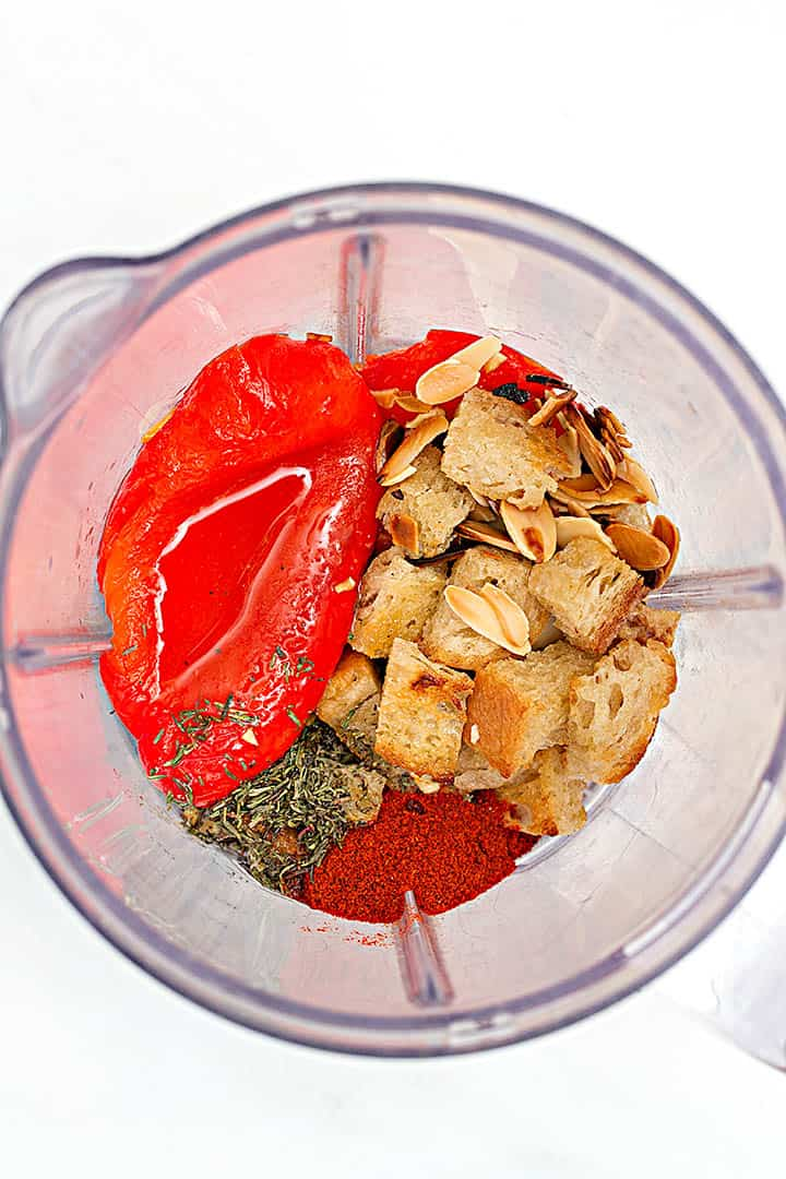 How to make romesco sauce