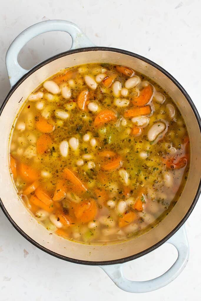 fasolada cooking