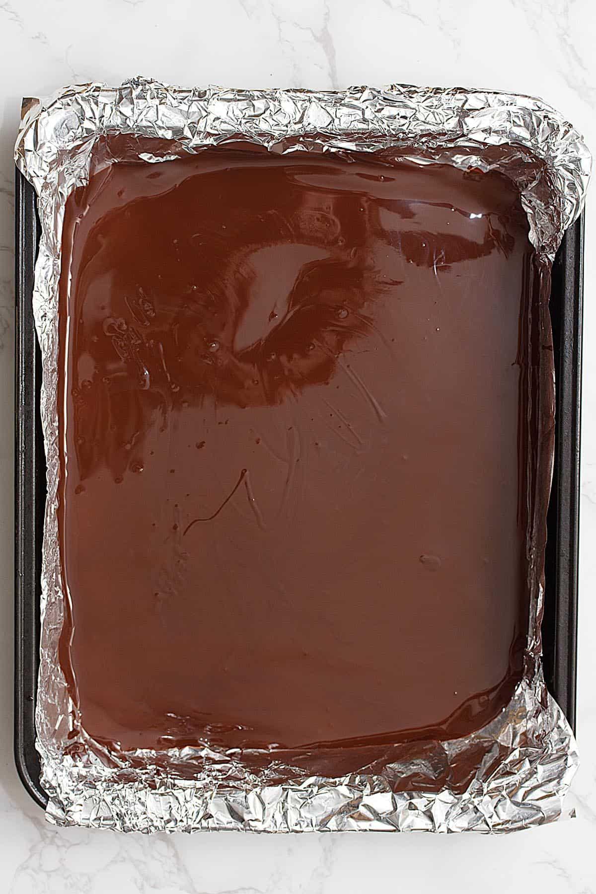 vegan dark chocolate peppermint bark